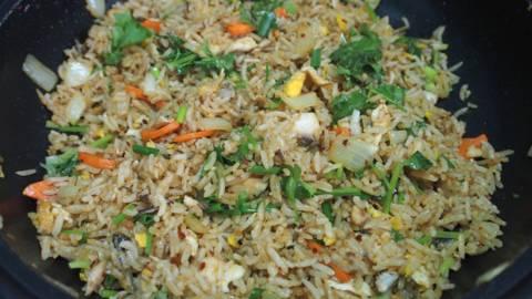 Pržena riža s tunom