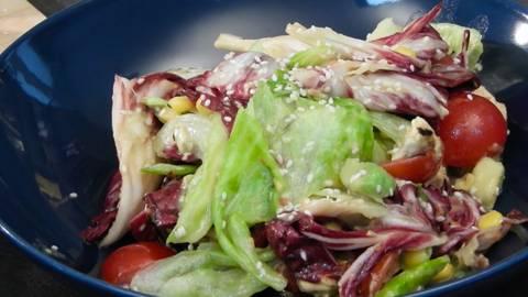 Salata od piletine glazirana medom i senfom