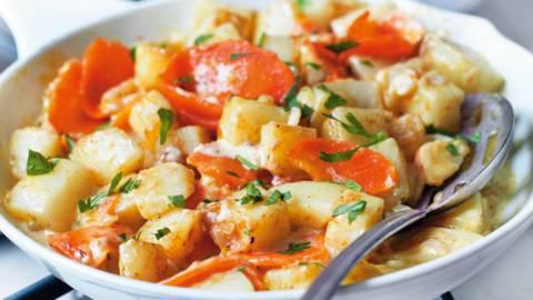 Krumpir i mrkva iz tave