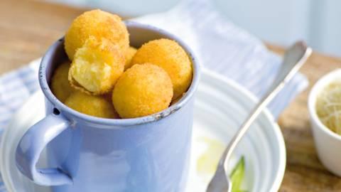 Loptice od krumpira i sira na trakicama tikvice