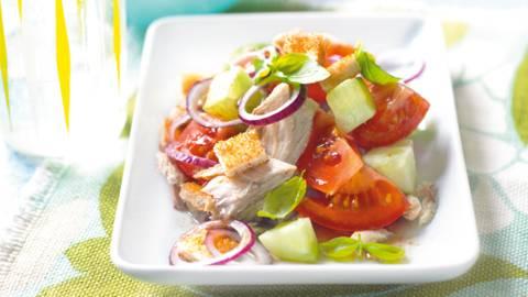 Salata od kruha i skuše