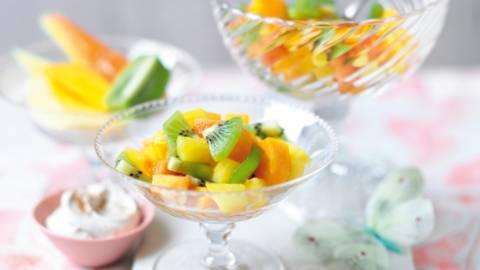 Egzotična voćna salata s cimetom
