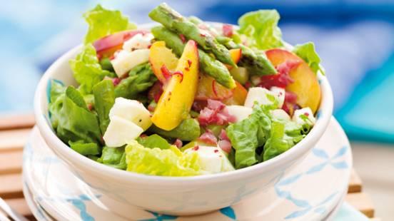 Salata od šparoga i pečenih breskvi