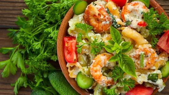 Salata od Tricolore pašte sa morskim plodovima