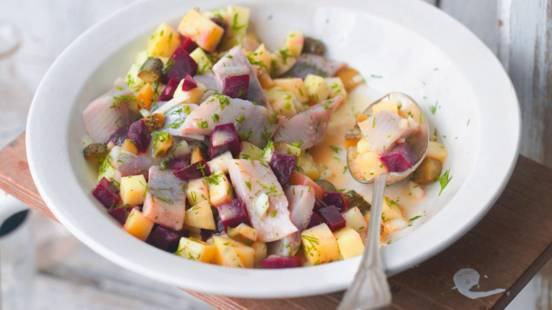 Nordijska salata od haringa s ciklom