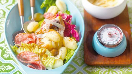 Topla talijanska salata s njokima