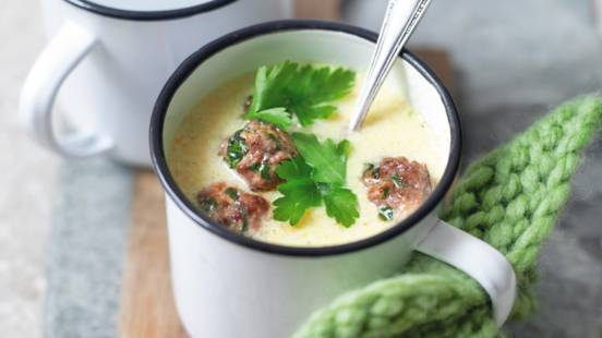 Povrtna juha sa sirom i mesnim okruglicama