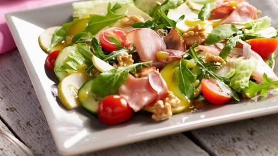 Salata sa schwarzwaldskom šunkom