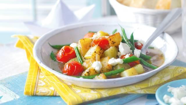 Pirjane mahune i krumpir s feta sirom