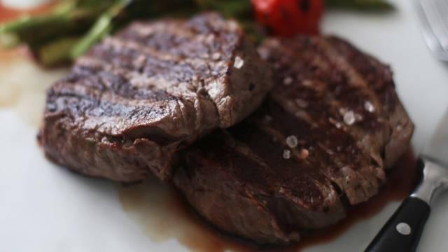 Biftek sa začinskim maslacem by Uvijek gladna