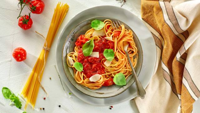 Špageti s umakom od rajčice