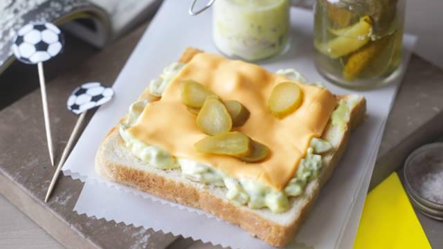 Žuti kartoni (sendviči sa sirom i umakom od senfa)