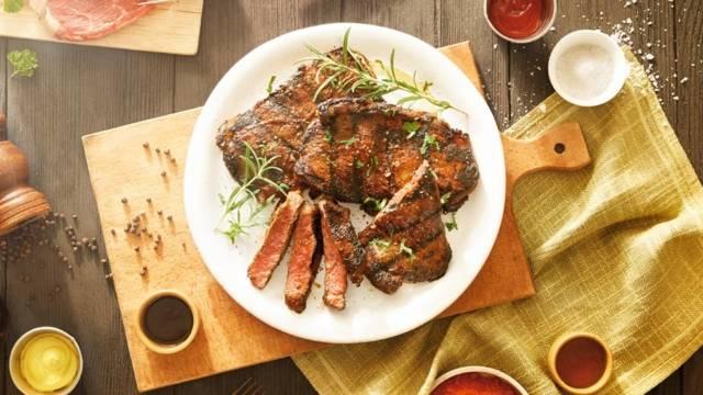 Pikantni juneći steak u BBQ-umaku