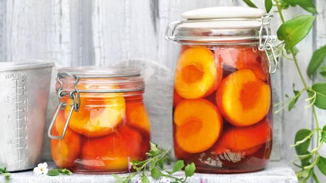 Kompot od nektarina s amarettom
