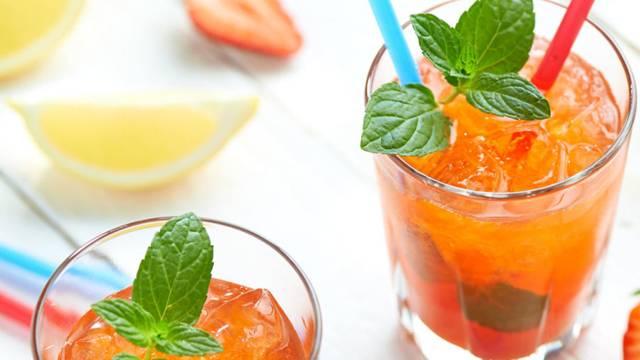 Limunada s okusom jagode