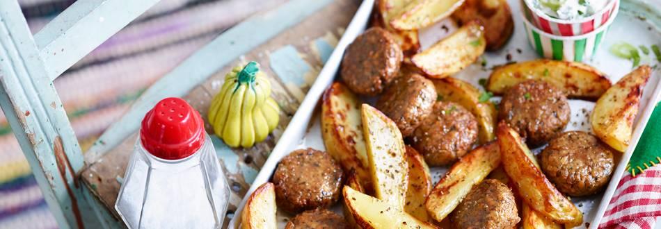 Krumpir iz pećnice s frikadelama od soje i grčkim umakom