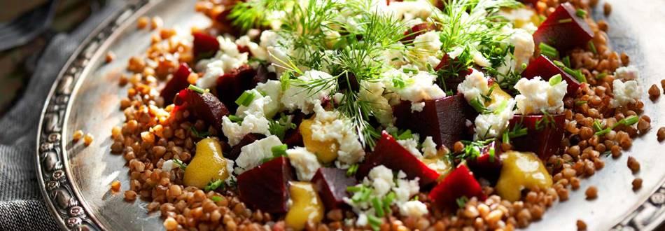 Salata od heljdine kaše, cikle i grčkog sira