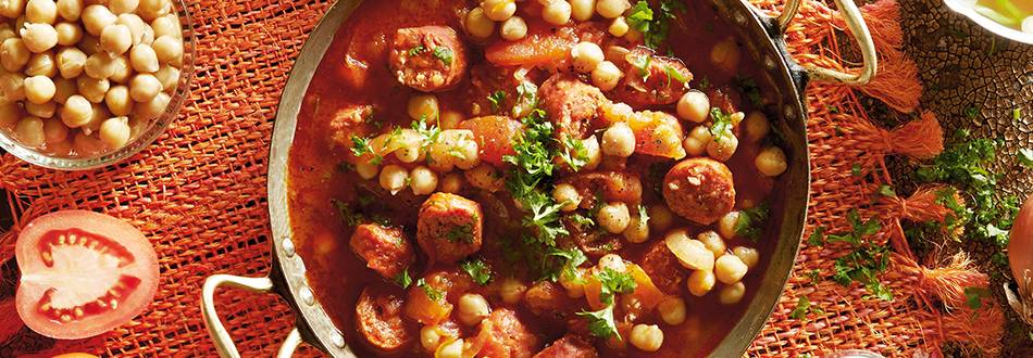Varivo od rajčice, slanutka i choriza