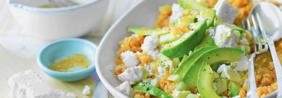 Salata od leće i kruške s feta sirom i avokadom